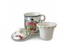 Чайный набор Женщина с музыкой, кружка с блюдцем и сито